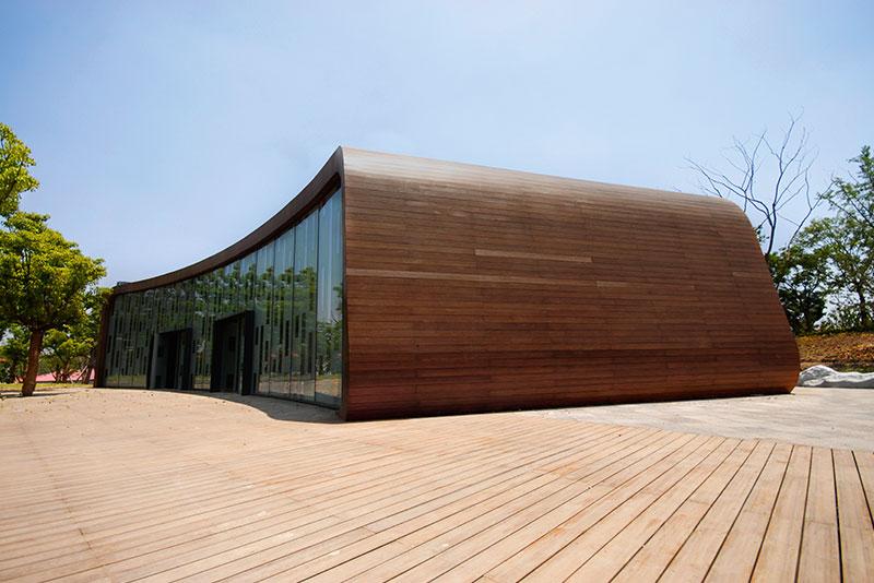 Nuevo: el Sistema de fachada DERAKO MOSO